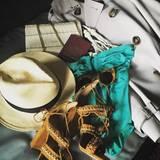 Naomi Watts postet noch schnell ein Foto von ihrem Reisegepack, bevor es in den Flieger Richtung Cannes geht.