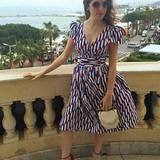 """Anna Kendrick ist ganz stolz auf ihr Outfit von Marc Jacobs. Zu einem weiteren Bild, das sie in diesem Kleid an der Seite von Justin Timberlake zeigt, schreibt sie: """"Es ist fast zu Französisch."""""""