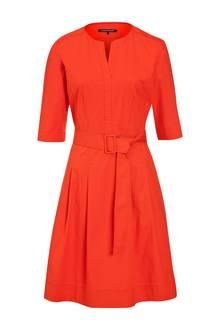 Flirtsignal: schickes Kleid von Luisa Cerano, ca. 300 Euro