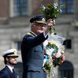 30. April 2016  Carl Gustaf bedankt sich für die Blumen.