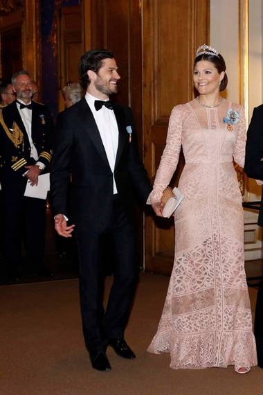 30. April 2016: Bankett  Prinz Carl Philip kommt ohne Prinzessin Sofia, dafür aber mit Schwester Victoria und Schwager Daniel