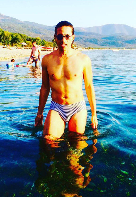 Heißes Badehöschen, Jorge! Der Choregraf urlaubt derzeit auf der Insel Thassos und genießt die griechische Sonne.