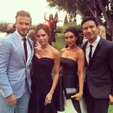 Jede Menge Stars sind bei der Traumhochzeit dabei: Mario Lopez und seine Frau Courtney, Victoria und David Beckham.