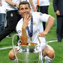 Siegtreffer-Schütze Cristiano Ronaldo feiert sich zurecht.