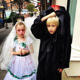 Oktober 2016   Ein unheimliches Paar: Samuel Schreiber und seine Cousine haben Spaß beim verkleiden und geben ein gutes Gruselpaar ab.