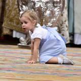 Prinzessin Leonore krabbelt eigene Wege ...