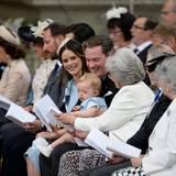 Prinz Nicolas teilt sich - sehr zur Freude von Chris O'Neill - seine Gottesdienstordnung mit seiner Großtante.