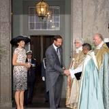 Prinzessin Mary von Dänemark und Prinz Haakon von Norwegen kommen gemeinsam an und begrüßen die Geistlichen.