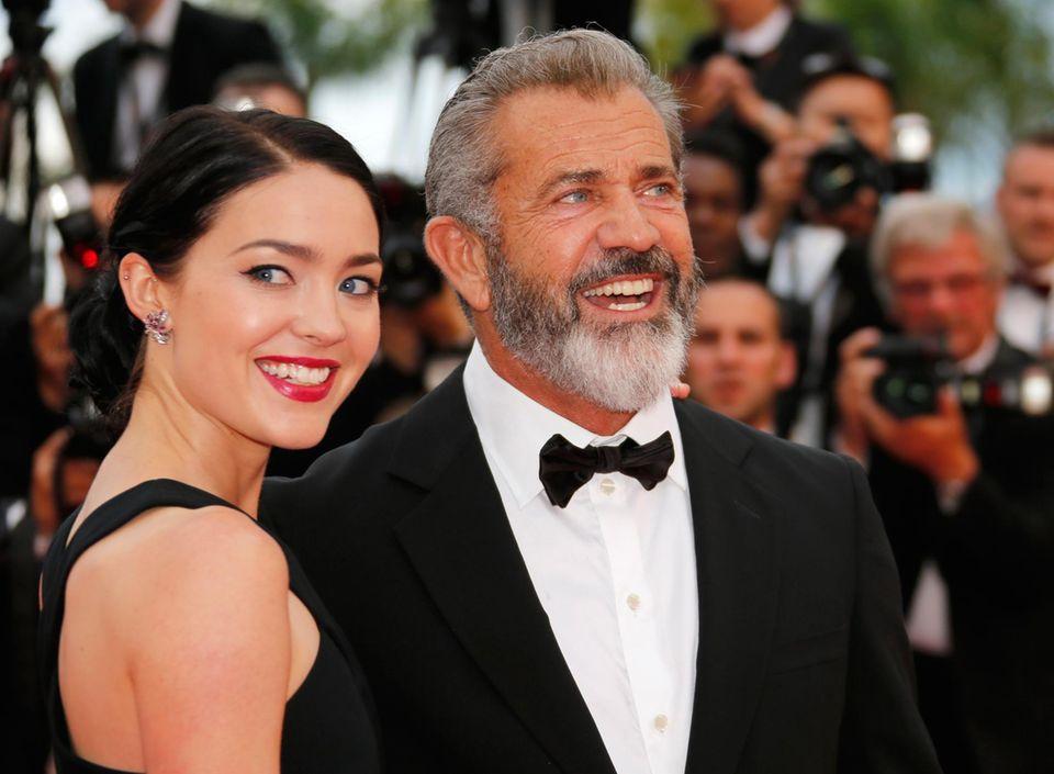 Mel Gibson und Rosalind Ross sind auch bei den Filmfestspielen.