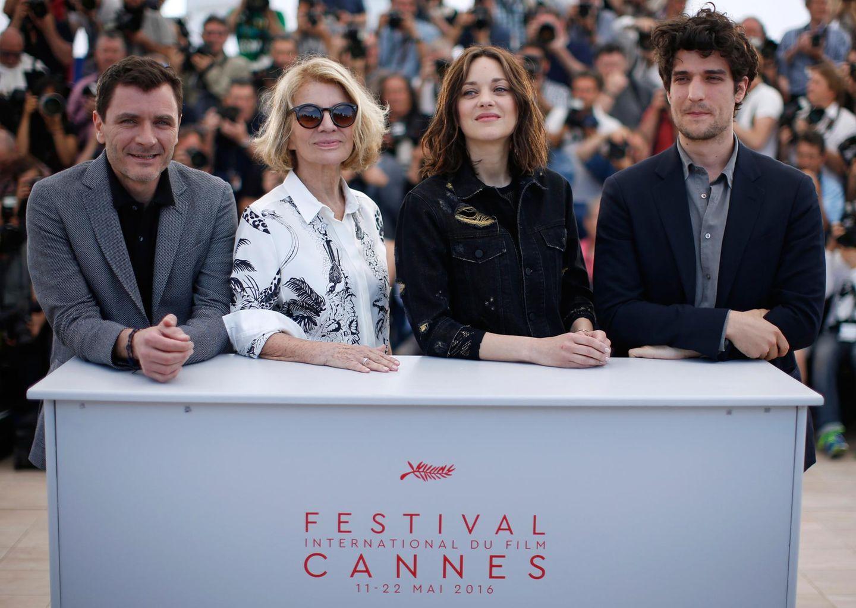 Die Regisseurin Nicole Garcia posiert mit den Schauspilerin Marion Cotillard, Louis Garrel und Alex Brendemühl.