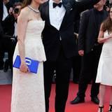Colin Firth erscheint mit Ehefrau Livia Giuggioli auf denm roten Teppich.