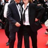 Im Partnerlook: Jane Birkin erscheint im schwarzen Anzug auf dem roten Teppich.