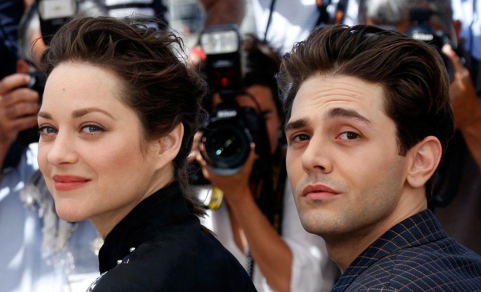 """Marion Cotillard begleitet Regisseur Xavier Dolan zur Filmvorführung """"Juste la fin du monde"""" (It's Only the End of the World)."""