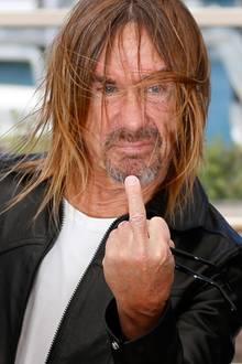 """""""Godfather of Punk"""" Iggy Pop lässt sich bei den Filmfestspielen und bleibt seinem Image als Rocker treu."""