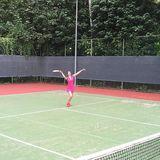 Tag 4  Auch der Sport kommt nicht zu kurz. Heute steht eine Runde Tennis auf dem Programm.