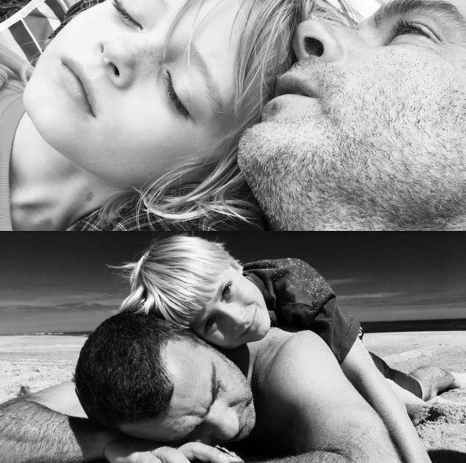 Hollywood-Star Naomi Watts teilt diese schönen Schwarz-Weiß-Fotos von Liev Schreiber und den Söhnen.