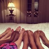 Familienzeit: Gott sei Dank ist das Bett groß genug für Heidi Klum und ihre vier Kinder.