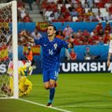 Kroatien besiegt Spanien mit 2:1 und sichert sich so den Gruppensieg.