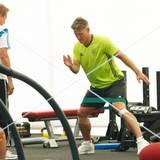 Fokussiert: Bastian Schweinsteiger trainiert gezielt bestimmte Muskelpartien.