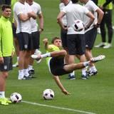 Abschlusstraining der Mannschaft in Évian: Das wollen wir auch beim Match gegen die Slowakei sehen, Thomas Müller!