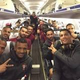 Cristiano Ronaldo schießt erst seine Mannschaft ins Achtelfinale und anschließend ein Selfie im Flugzeug.