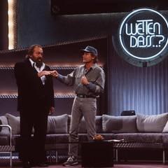 """März 1995  Das unzertrennliche Duo, Bud Spencer und Terence Hill, ist in Bremerhaven bei """"Wetten, dass...?"""" zu Gast."""
