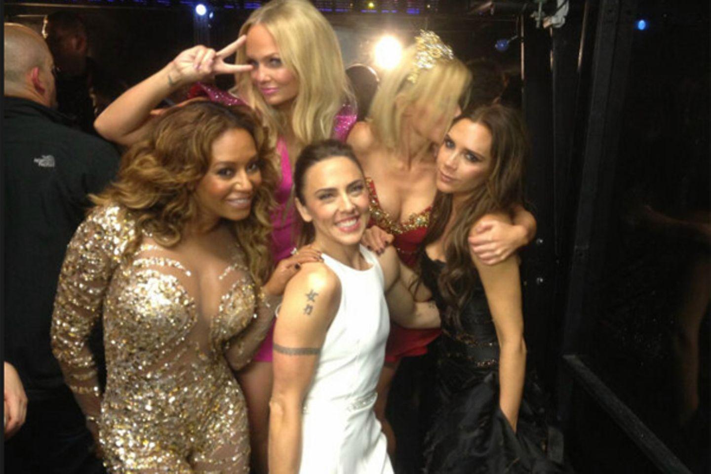 """""""Wir haben's geschafft! Mädels, ich liebe euch so sehr"""", twitterte Victoria Beckham nach dem Auftritt der """"Spice Girls"""" bei der"""