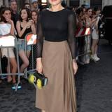 Die italienische Schauspielerin Ornella Muti lässt sich die Fendi-Jubiläumsshow auf keinen Fall entgehen.