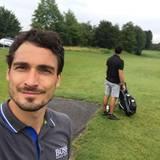 Mats Hummels erholt sich bei einem Familien-Golfduell und verliert haushoch.
