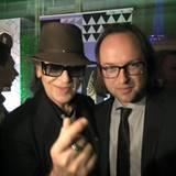 """Im April 2016 gewinnt Kim Frank den Echo für das beste nationale Musikvideo für sein Video zu Udo Lindenbergs """"Durch die schweren Zeiten""""."""