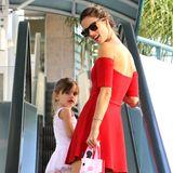 22. Oktober 2013: Alessandra Ambrosio bringt ihre Tochter Anja zum Balletunterricht.
