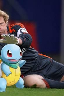 """""""Hey Leute, man kann die Pokémon auch ohne Pokéball fangen!"""", kommentiert Oliver Kahn diese lustige Fotomontage."""