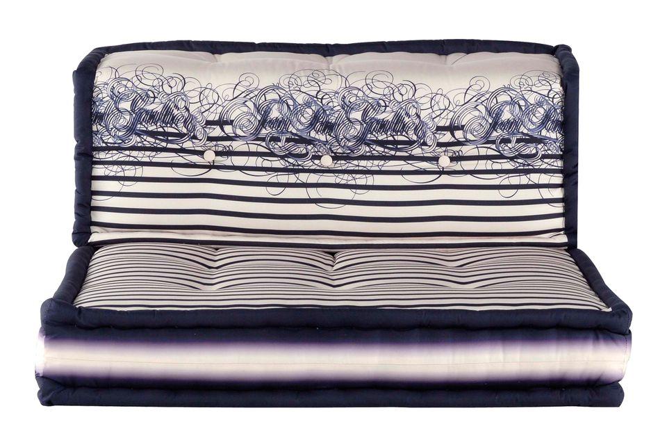 """Matrosenmuster: kultige Sofamodule """"Mah Jong"""" mit Bezügen von Jean Paul Gaultier (Roche Bobois, Preis auf Anfrage)"""