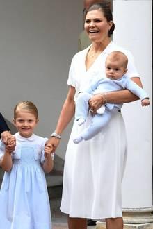 Prinzessin Victoria zeigt sich traditionell an ihrem Geburtstag auf Schloss Solliden.