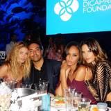 Filmproduzent und Star-Liebling Mohammed al Turki hat das Glück, mit gleich drei Supermodels am Tisch des Charity-Fundraisers der Leonardo Di Caprio Foundation zu sitzen: Doutzen Kroes, Joan Smalls und Alessandra Ambrosio.