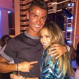 Seine Jenny from the Block: Genau wie Jennifer Lopez kommt auch Cristiano Ronaldo aus bescheidenen Verhältnissen. Beide haben es mit viel Arbeit, Disziplin und Talent an die Spitze geschafft. Hier feiert er mit der Diva ihren Geburtstag.