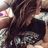 """""""The Hills""""- Star Audrina Patridge gibt ihrer drei Monate alten Tochter Kirra unterwegs die Brust und hält den Moment auf Instagram und mit dem Hashtag """"#momonthego"""" fest."""
