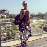 Lena Gercke posiert über den Dächern von Rio: In sportlichem Outfit macht das Model sich auf zum Work-out.