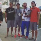 Als Trainer von Novak Djokovic ist Boris Becker Teil des serbischen Teams: Hier postet er ein Gruppenbild mit Sportlern aus dem Olympiadorf.