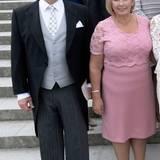 Taufe Prinz Alexander von Schweden: Die Eltern von Prinzessin Hellqvist, Eric und Marie Hellqvist. Mama Marie trägt Rosa.