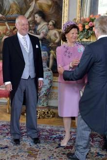 9. September 2016  Marie und Erik Hellqvist (Prinzessin Sofias Eltern) und König Carl Gustaf und Königin Silvia begrüßen die Gäste beim Taufempfang.