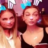 Doutzen Kroes und Hailey Baldwin toben sich nach dem Essen auf Snapchat aus. Der Bunny-Filter hat es ihnen dabei besonders angetan.