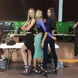 Anne V, Stella Maxwell und Irina Shayk können das sexy Posing auch in ihrer Freizeit nicht lassen. Selbst wenn sie nicht auf dem Catwalk sind, inszenieren sie sich für die Kamera.