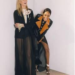 Fun with Dunn! Karlie Kloss hat backstage bei Lanvin jede Menge Spaß mit Kollegin Jourdan Dunn.