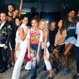 """10. September: Fashion-Crew! Auf der Aftershow-Party von Alexander Wang treffen Models, Blogger und Fashionistas aufeinander. Auch dabei: Die """"VS""""-Engel Jasmine Tookes, Taylor Hill und Romee Strijd."""
