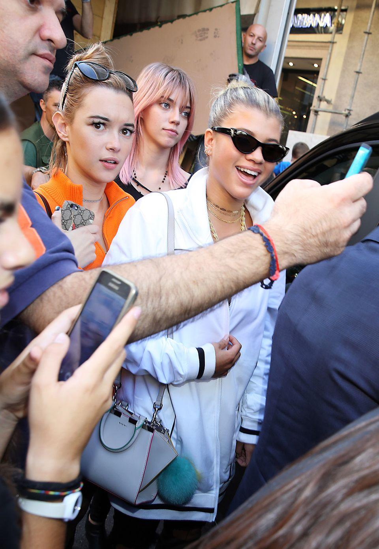 Die neue Frontrow-Generation: Bei der Show von Dolce & Gabbana waren jeden Menge Star-Kinder, Jung-Blogger Nachwuchsmodel am Start, wie hier Sofia Richie und Pyper America Smith.