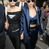 Wer ist cooler? Bei den Supermodel-Schwestern Gigi und Bella Hadid stellt sich diese Frage gar nicht.