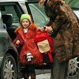 Zur Schule muss Töchterchen Maya Ray heute nicht mehr von Mama Uma Thurmann gebracht werden.