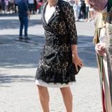 Im schwarz-weißen Spitzen-Outfit begeht Prinzessin Mette-Marit den Gedenkgottesdienst für die Opfer der Terroranschläge vom Juli 2011.