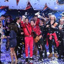 """Die Entscheidung: Bene Mayr (l.) und Philipp Boy holen sich den Titel """"Dance Dance Dance""""-Star 2016."""